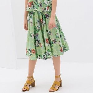 Zara Green Tropical Spring Floral Flare Skirt NWT